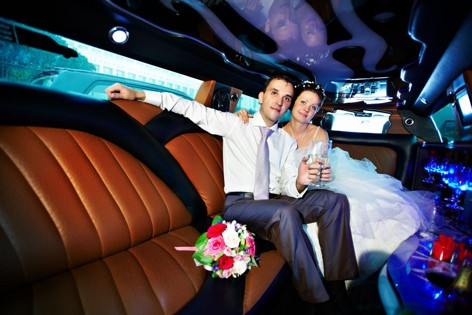 New Berlin Wedding Anniversary Limo